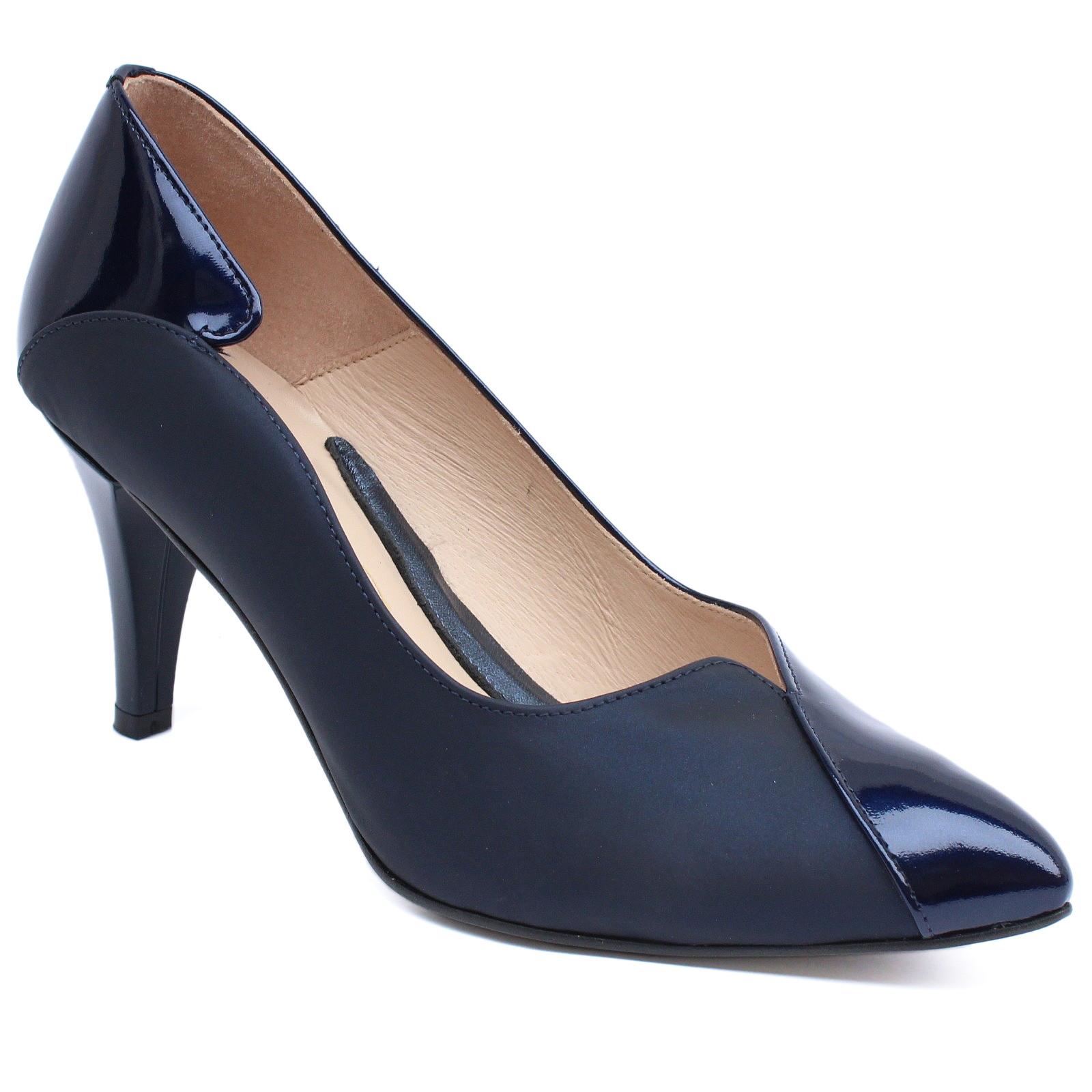 EMIS Fekete tűsarkú lakk bőr cipő