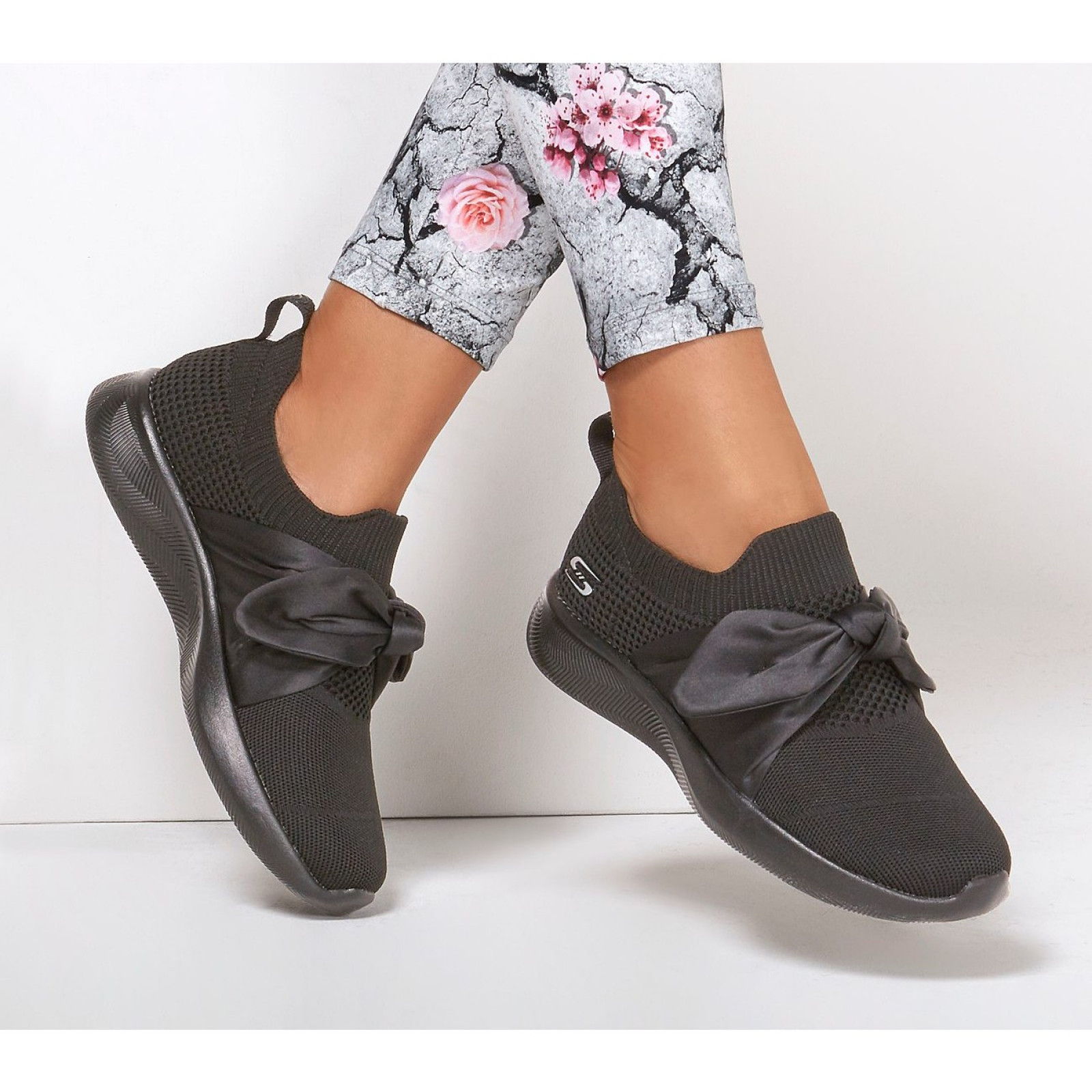 34 40 női cipő Skechers Bobs Squad Bow Beauty D.D.step