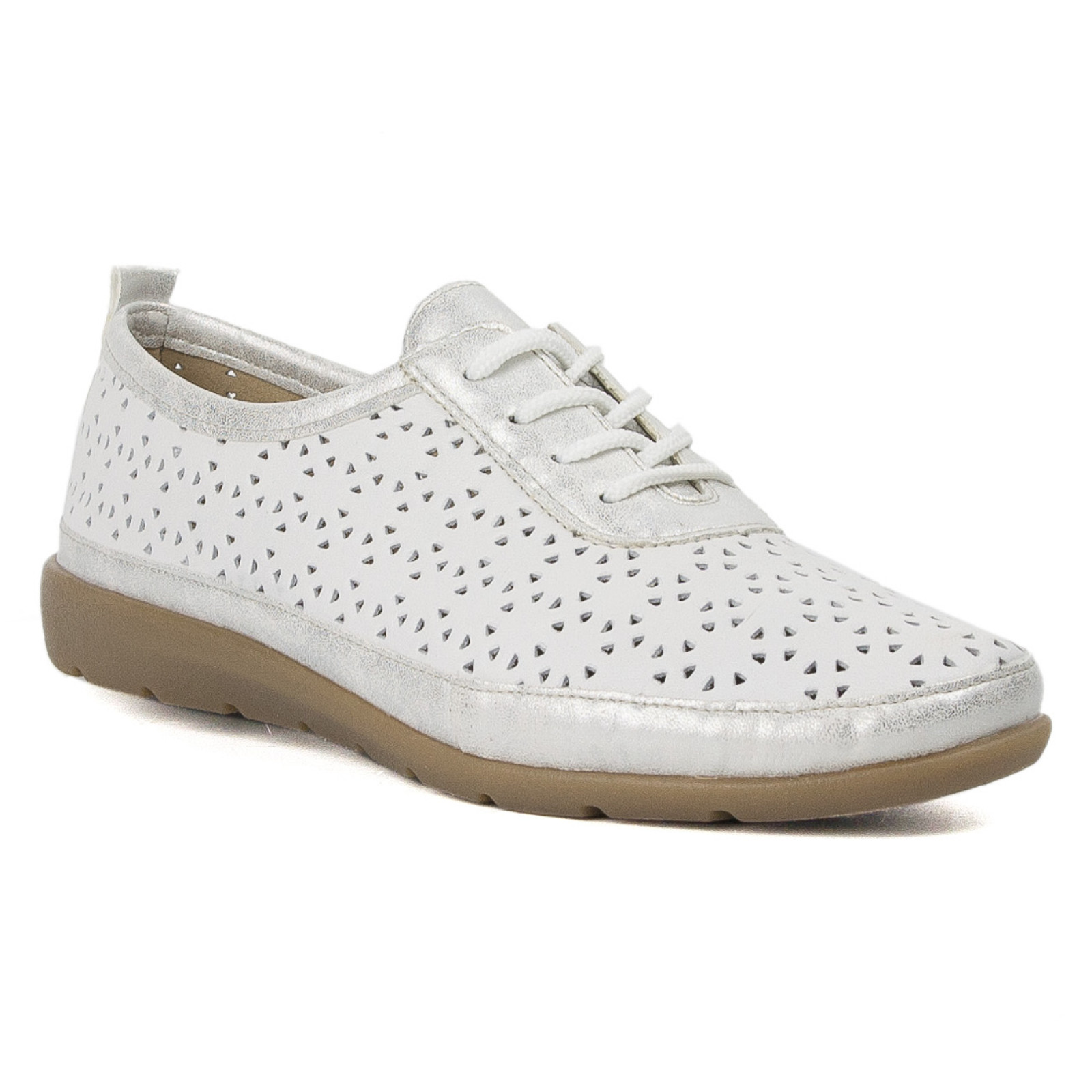 Ismét kézműves termék lett az igényesebb cipő | DÉLMAGYAR